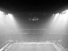 Luci a San Siro (mariuzzo10) Tags: milan milano derby calcio inter stadio ultras curva tifosi riflettori