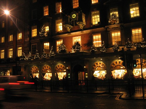 London - Fortnum & Mason Shop Front at night