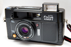 Yashica Auto Focus Motor D (Rolf F.) Tags: auto camera old film analog focus d equipment pointandshoot motor analogue yashica cameraporn autofocus rabbitriotnet motord