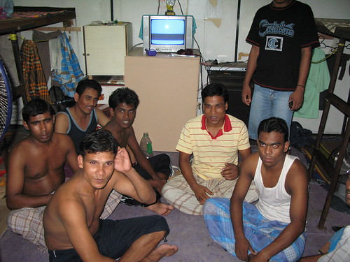 Bangladeshi immigrant factory workers | Credit: www.thepostman.wordpress.com