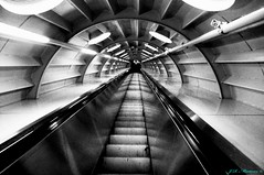 Deeper Underground (Aine_Calamar) Tags: bruselas atomium escaleras hierro atomo