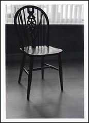 Missing You (Luca Venturi) Tags: filmcamera agfaapx400 rodinal125 minoltadynax7 gradeii minolta50mmmacro meoptaaxomat5color3head ilfordfbmultigradeiv
