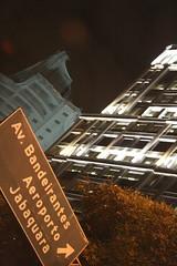 Caminhos (Gustavo Carpi) Tags: buildings lights sopaulo luzes transito caminhos prdios placas trafic engarrafamento trfego reinventamoscaminhos