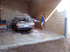 sometimes I'm not serious (Ingls maquin) Tags: me water car work soap agua joke carwash wash carro sabo notserious lavar lavacarros