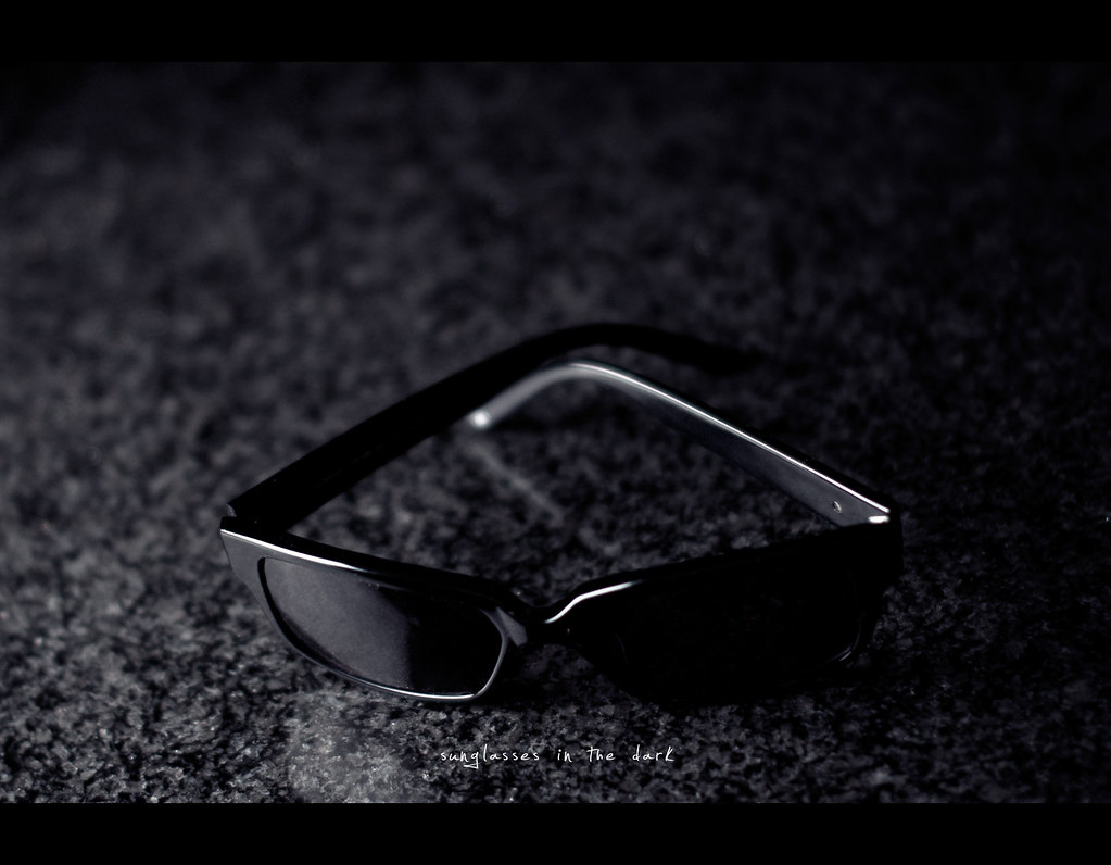 Project 365, Day 270, 270/365, strobist, bokeh, Sigma 50mm F1.4 EX DG HSM, 50mm, 50 mm, sunglasses in the dark, sunglasses, fossil,