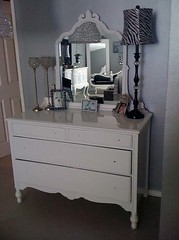 "4160 WHITE VANITY DRESSER • <a style=""font-size:0.8em;"" href=""http://www.flickr.com/photos/43749930@N04/5743825541/"" target=""_blank"">View on Flickr</a>"