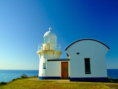 Tacking point lighthouse (autumn_leaf) Tags: sea lighthouse australia landmark pacificocean nsw portmacquarie tackingpoint tackingpointlighthouse