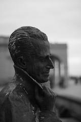 Oostende (Werner Wattenbergh) Tags: statue belgium canonef50mmf18 oostende standbeeld 400d eos400d koningboudewijn