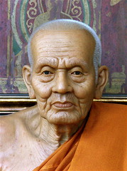 BUDDHIST MONK........ (Akbar Simonse) Tags: holland netherlands shop bravo thenetherlands monk buddhism soe deventer buddhistmonk waxstatue theperfectphotographer dedoka 200000000stagelovers wassenbeeld akbarsimonse