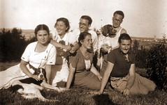 La esperanza. (JFabra) Tags: republica 1936 spain esperanza memoriahistórica misionespedagógicas evadiazperez premionadal2008 elclubdelamemoria
