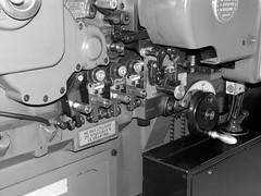 Ne pas utiliser de rouleaux  la glatine (olivier38) Tags: machine rouleau imprimerie rouleaux rouages glatine