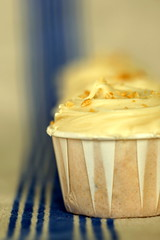 Sweet & Salty Honey Peanut Cupcakes