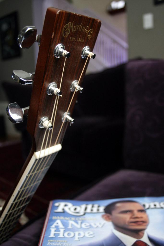 Guitar & Obama_20080320_0006_1