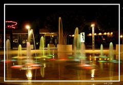 fuente (Almudena Raya) Tags: espaa valencia night noche spain colours fuente cinemas colores cines spagne paterna heroncity earthnight funtain abigfave kinepolys