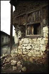 Ruined house , Evrychou village (-Filippos-) Tags: old house ruin cyprus       92007