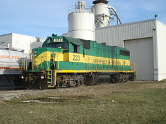 LIRC 223 (austinsasse) Tags: columbus general indiana rail electro motive division corp geep emd gp382 lirc lousiville moters