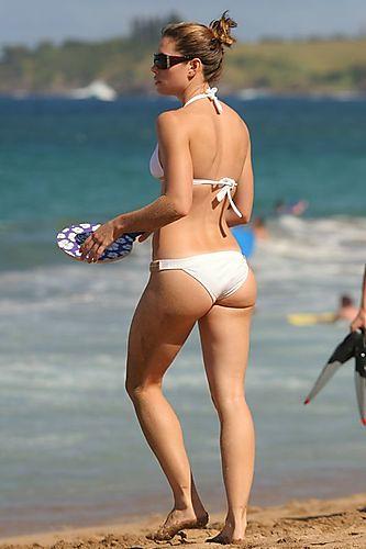 Bikini wearing Jessica Biel
