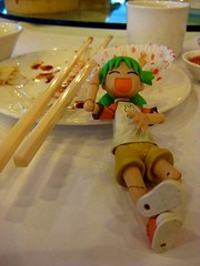 Twitter 365 - Ft Yotsuba [137] (KayVee.INC) Tags: food cute toy japanese yummy southeastasia chinese manga tasty dimsum eat foodporn malaysia kawaii figure chopsticks brunch kualalumpur figurine kl 2009 kaiyodo satisfied yotsuba danbo 可愛い cavey twitter revoltech kayvee よつば twitter365 170509 danboard kayveeinc revoltechyotsuba