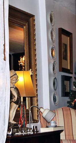 Rincón, espejo y lampara