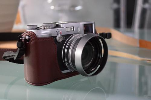 Nikon D5100 18-55mm f/3.5-5.6 Fuji X100