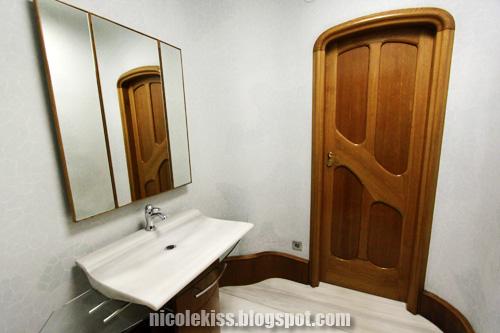 casa batllo toilet