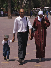 Marocaine Family (giorgino) Tags: people canon eos 350d lifestyle morocco marocco nikonstunninggallery mywinners