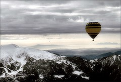 Ballooning over Catalonia (Ferran.) Tags: bravo balloon catalonia montserrat catalunya ballooning pyrenees globo cerdanya globus clart montseny flyinglikeabird tossadalp wowiekazowie megashot