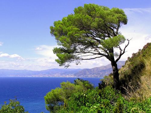 Mooie noordwesten kustlijn van Italië