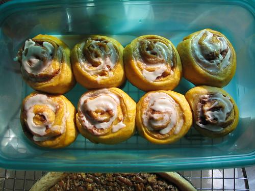 deots pumpkin cinnamon rolls