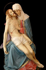 Piet (Aurora_Blue) Tags: statue jesus virginmary piet ourladyofsorrows passionofchrist nuestrasenora ministeracres crucifedchrist