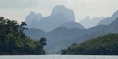 Khao Sok karst mountains (elosoenpersona) Tags: mountain lake water contraluz thailand lago agua where silueta montaa karst thailandia khao khaosok sok elosoenpersona