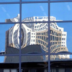 Rotterdam: Frank Gehry? (doc(q)man) Tags: blue distortion reflection building glass square docman