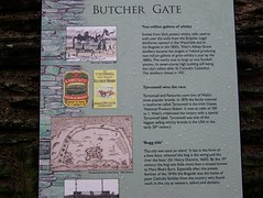 Butcher Gate (Will S.) Tags: plaque whiskey bogside londonderry whisky northernireland mypics derry ulster plaques tyrconnell poteen potcheen poitin butchergate poitn derryswalls putcheen boggsie
