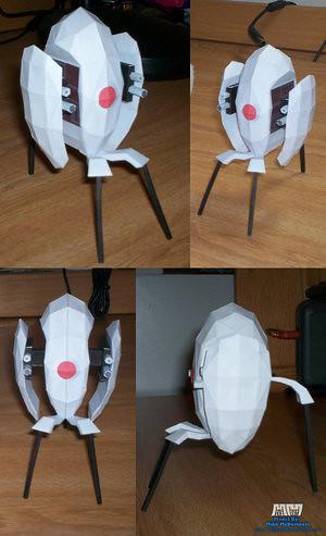[Mi reino por un pastel] La torreta de Portal realizada con PaperCrafting