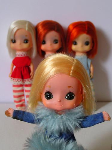 Kamar Dolls – gimme gimme gimme!