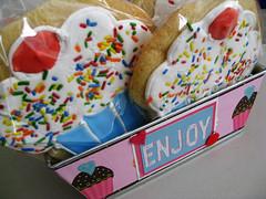 Cupcake Cookies Gift Tin (creativesun) Tags: pink cookies altered cherry tin cupcake gift royalicing