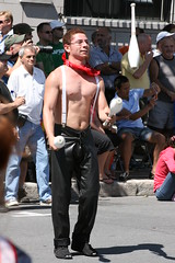 080817-3418 (Poussière de barbe) Tags: cirque gaypride événements montreal canada jongleur personnes homme