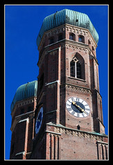 Frauenkirche, München (matt :-)) Tags: munich münchen bayern bavaria monaco 1870mmf3545g mattia frauenkirche baviera nikond80 domzuunsererliebenfrau cattedraledinostrasignora cathedralofourblessedlady consonni mattiaconsonni