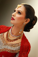 (Fayyaz Ahmed) Tags: pakistan red portrait topf25 girl beautiful fashion bride nikon pretty jewelry bridal karachi reddress jewelryornaments catchycolorsred top20femmes