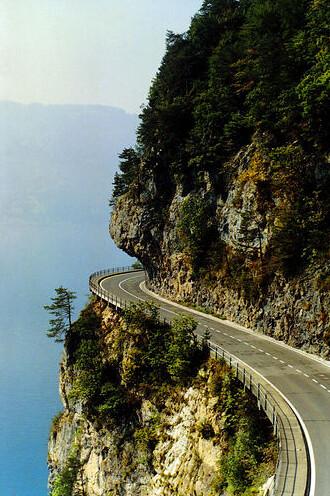2055787200 bcfd889cfc - Dangerous Roads