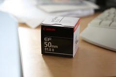 Canon EF 50mm f/1.8 II (Abhorsen The Final Death) Tags: light shadow sun canon lens table 50mm keyboard desk box 400d eff18ii