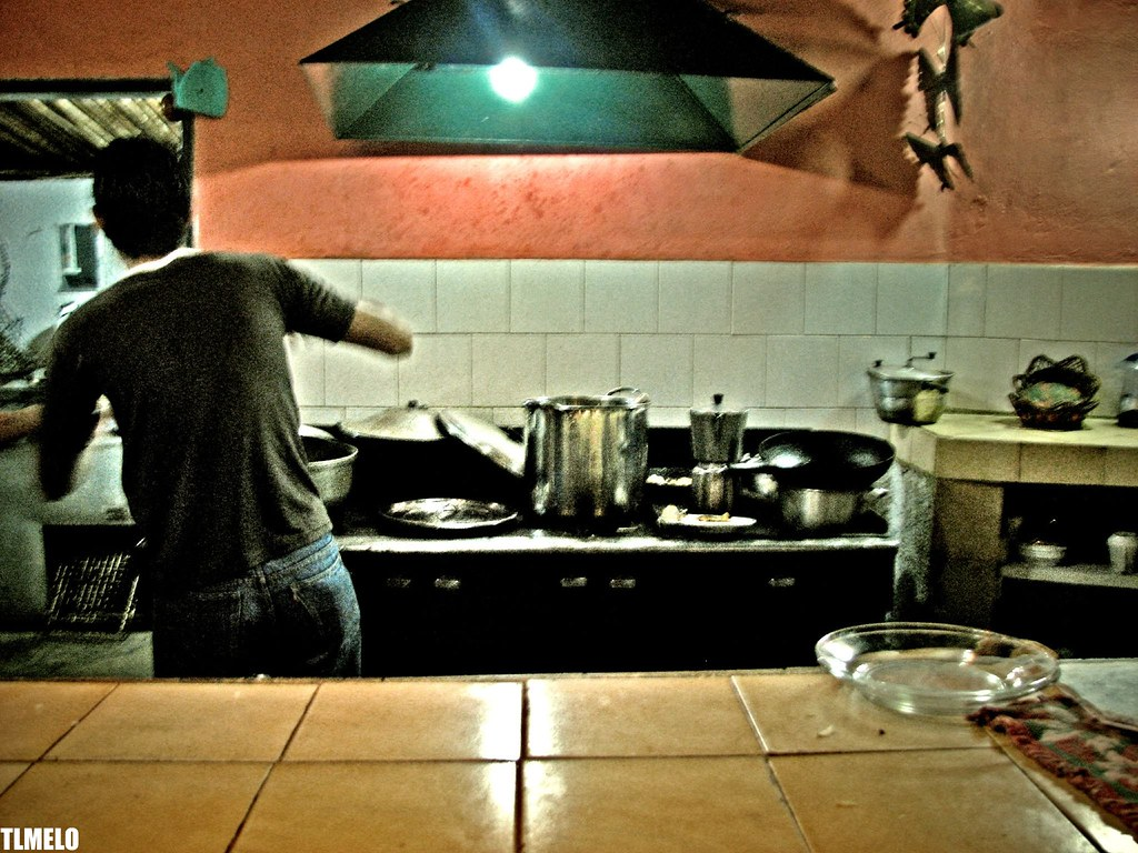 Cooking Arepas - Monte Roraima Trekking