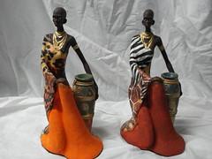 Africana ajoelhada com Jarro. (Digo Pessoa) Tags: artesanato arte gesso decoração decorativo bonecas imagens afro africanas pinturas