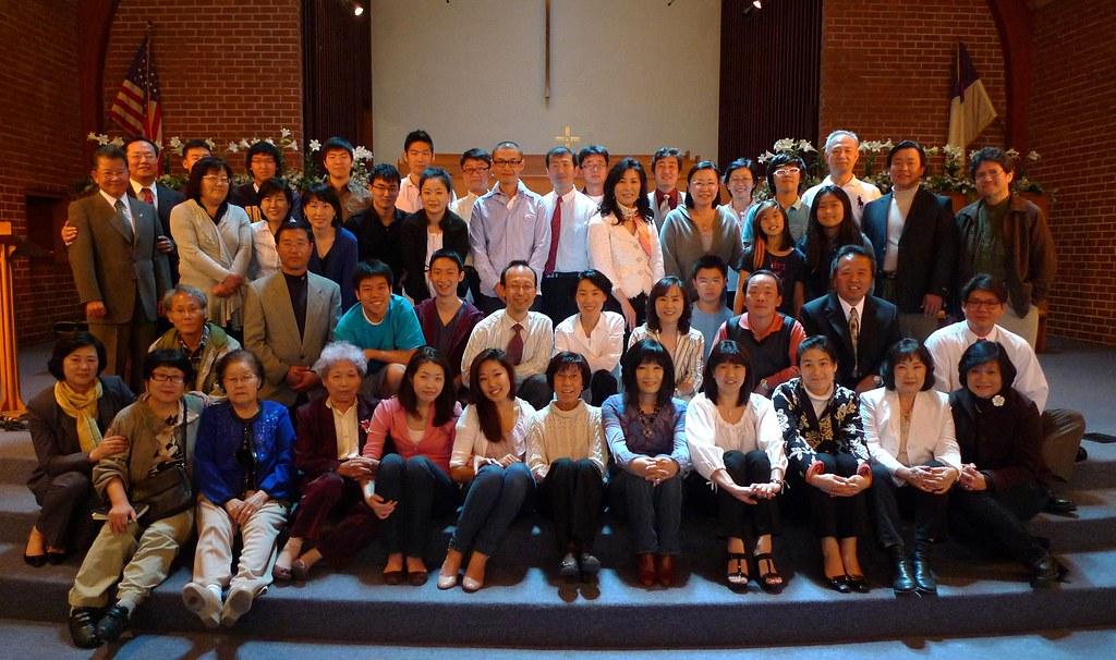 2011 부활절 예배후 교우 단체 사진