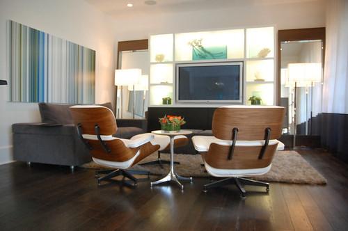 Fotografía de un par de Lounge Chair de Charles Eames tapizadas en blanco