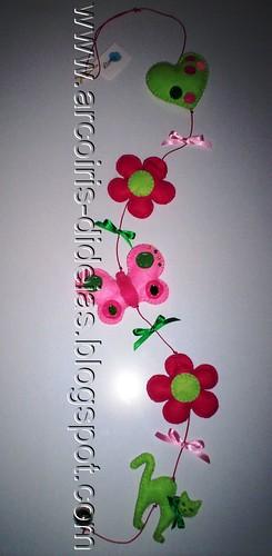 mobile verde e rosa