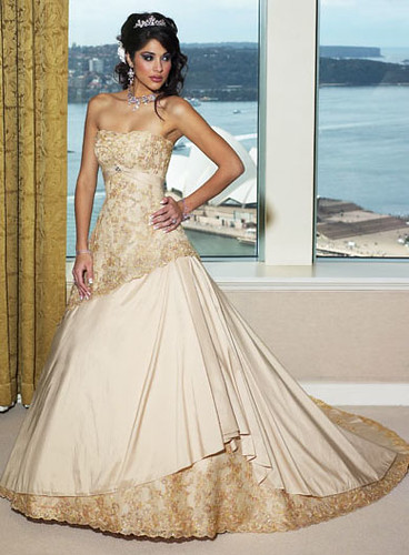 Classic wedding dresses 2011 luxury gold lace Aline wedding gown dress