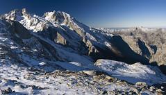 Vertiente Norte de los Urrieles desde las Moas (jtsoft) Tags: mountains landscape asturias olympus picosdeeuropa e510 cabrales albos zd1454mm jtsoftorg