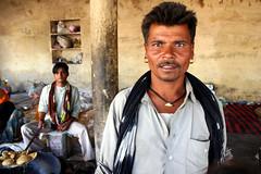 Rajasthani  Bundi (Julien Mailler) Tags: world travel portrait people india man men face asian julien asia indian asie rajasthan inde bundi rajasthani reflectionsoflife lovelyphotos jules1405 unseenasia mailler asiatiquestravel