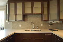 Modern high-end kitchen - by Artizen Home Renovations by ArtiZEN Renovations